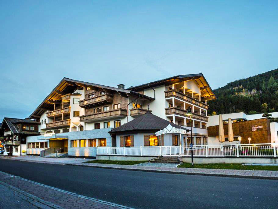Design & Wellness Hotel Alpenhof, city – Logis-Partner Stoneman Taurista MTB