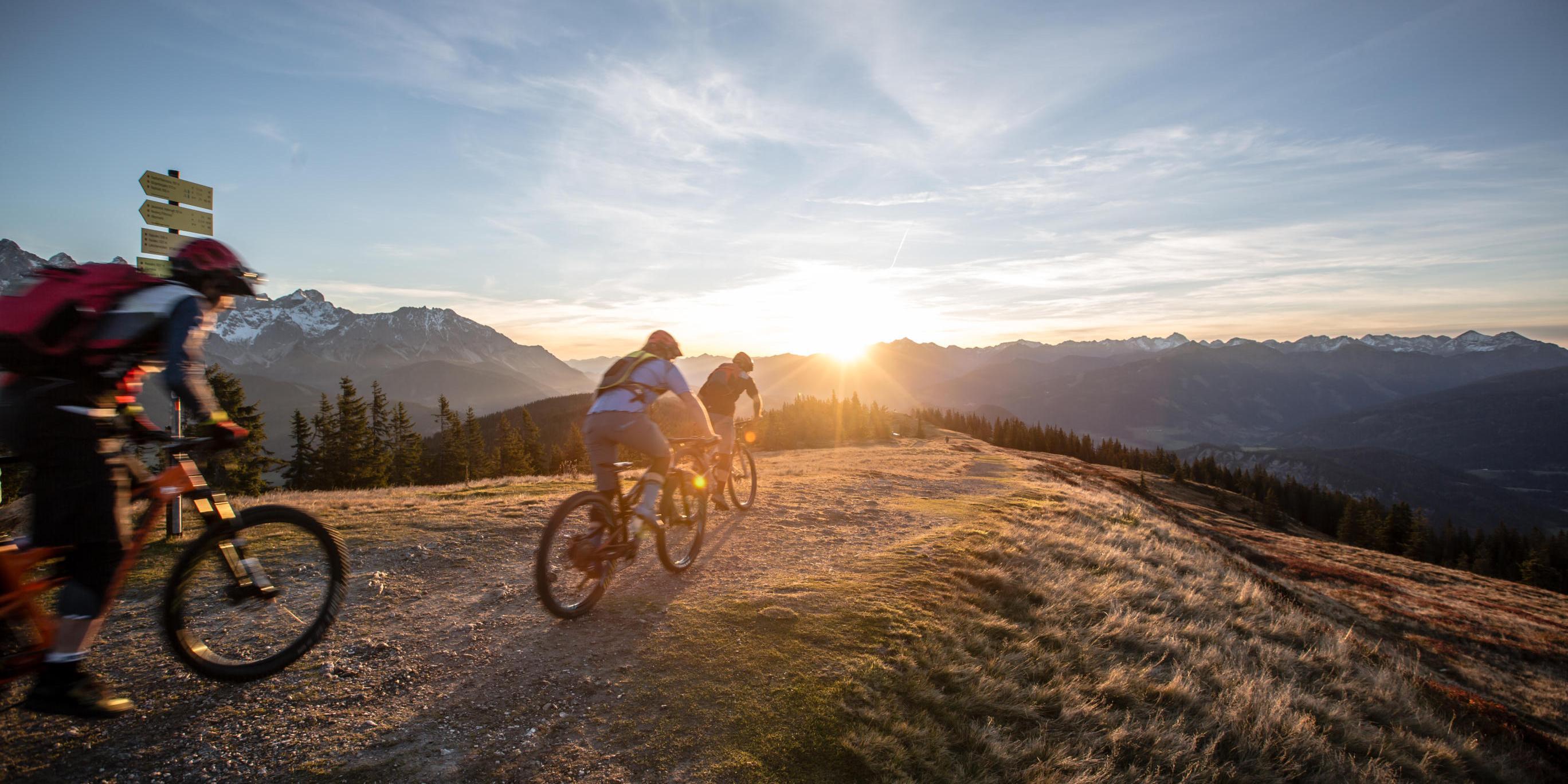 Mountainbike-Tour Stoneman Taurista MTB Abfahrt vom Rossbrand mit Tauern-Panorama Salzburger Land (Österreich)